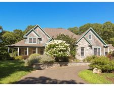 4 Catbriar Ln, Old Lyme, CT 06371