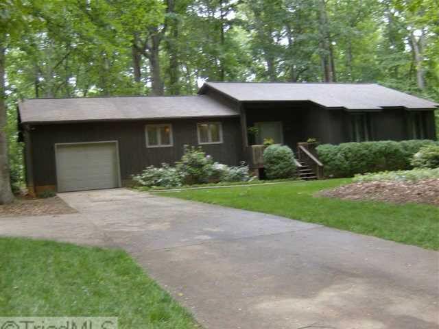 903 Hickory Nut Ct, Pleasant Garden, NC 27313 - realtor.com®