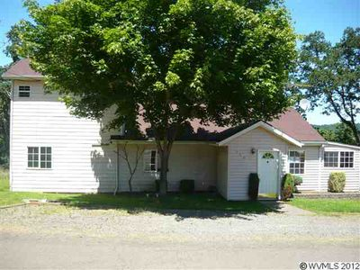 360 5th St, Scotts Mills, OR