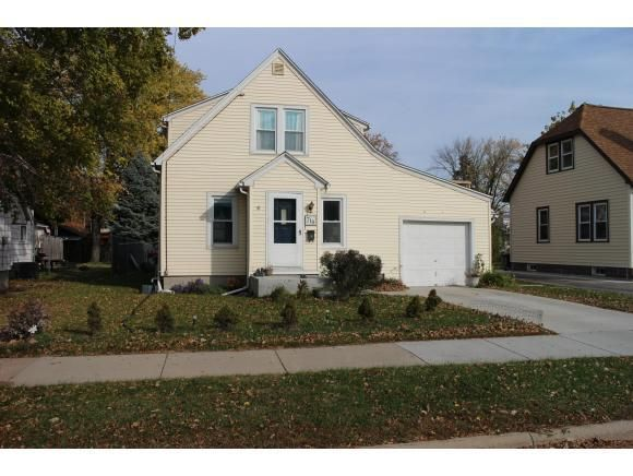 718 4th St Menasha Wi 54952 Home For Sale And Real
