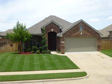 545 Kerry St, Crowley, TX 76036