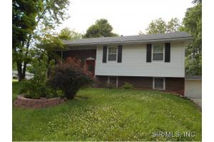 513 N Cherry St, Ofallon, IL 62269