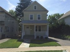 36 S Bayles Ave, Port Washington, NY 11050