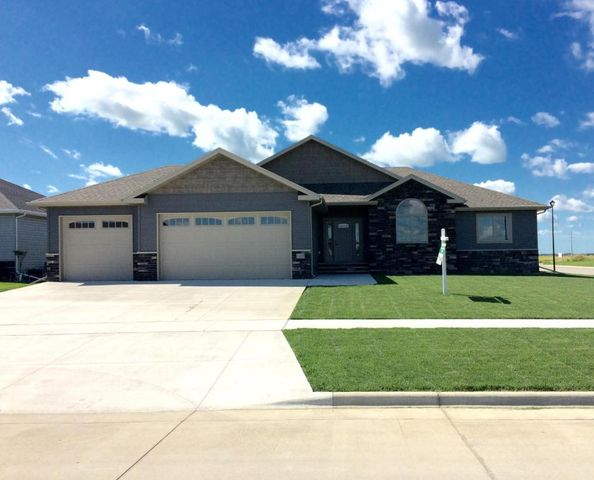 2499 Star Ave S Grand Forks Nd 58201 Home For Sale And