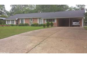 919 W Altena Ave, De Queen, AR 71832