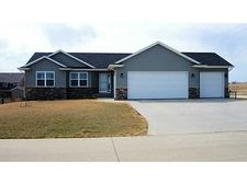 4579 Meadow Creek Dr, Palo, IA 52324