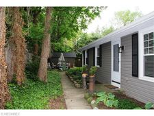 100 American St, Chagrin Falls, OH 44022