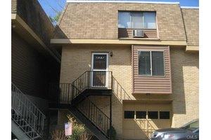 100 Maple Tree Ave Apt 2, Stamford, CT 06906
