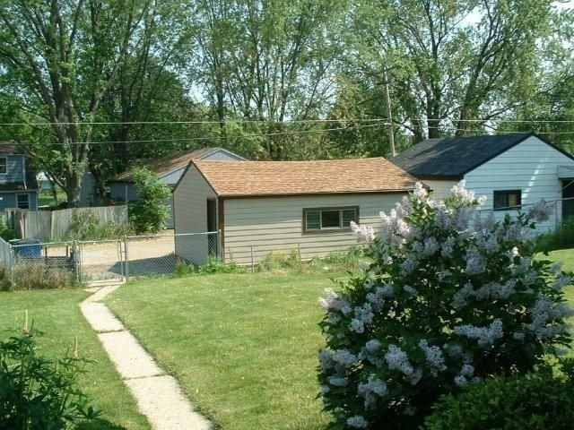 8115 W Herbert Ave Milwaukee Wi 53218 Realtor Com 174