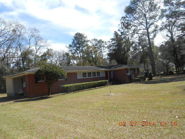 5362 Cherry St, Graceville, FL 32440