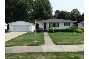 213 S James St, Dover, OH 44622
