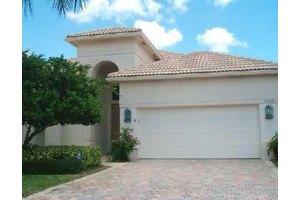 10864 Grande Blvd, West Palm Beach, FL 33412