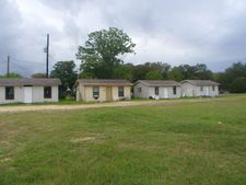 310 Tom Creek Ln, Canyon Lake, TX 78133