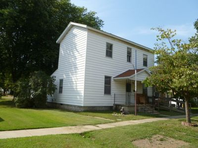 303 S Franklin St, Salem, IL 62881