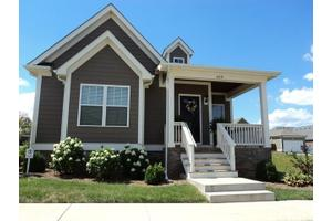659 Continental Dr, Bowling Green, KY 42103
