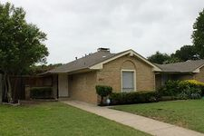 2911 Country Place Ct, Carrollton, TX 75006
