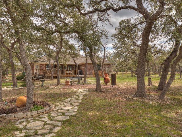 201 Fischer Cove Dr, Wimberley, TX 78676