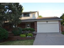 660 Omega Ln, Littleton, CO 80124