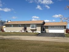 715 Washington Ave, Northwood, ND 58267