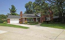 20127 W Ballantyne Ct, Grosse Pointe Woods, MI 48236