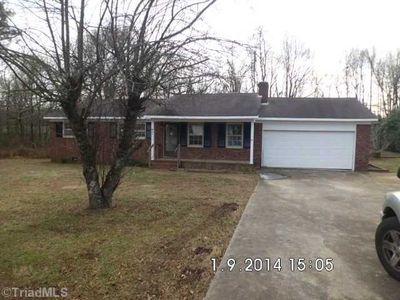 824 Mitchell Ln, Burlington, NC