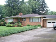 8382 Thompson Sharpsville Rd, Masury, OH 44438
