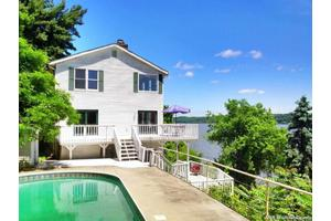 93 Old Indian Trl, Milton, NY 12547