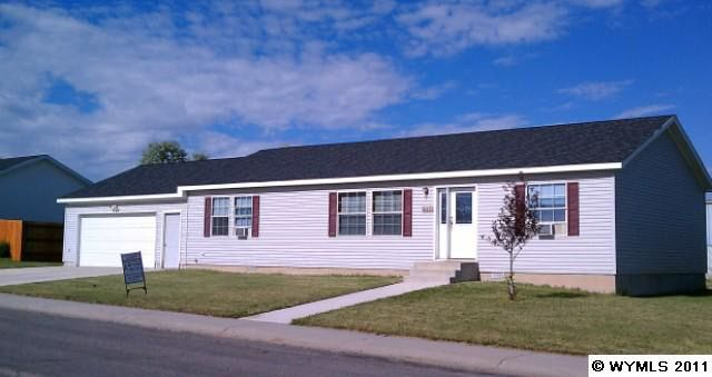 250 Valley View Dr, Lander, WY 82520