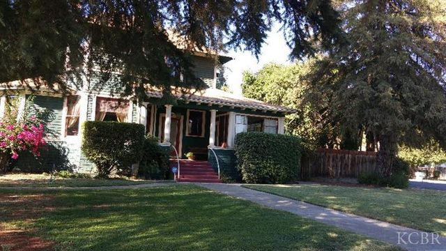 300 W Grove Ave Visalia Ca 93291 Home For Sale And