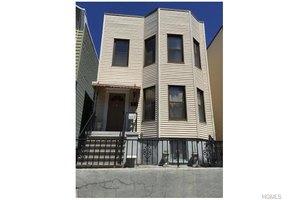 833 Kinsella St, Bronx, NY 10462