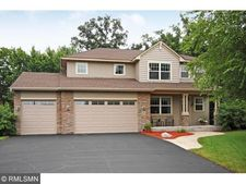 404 Creekwood Cir N, Champlin, MN 55316
