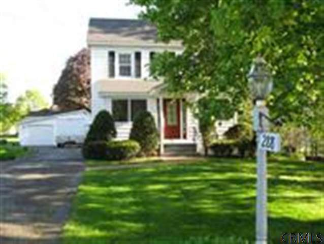 288 Whiteview Rd North Greenbush, NY 12198
