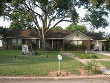 412 E Prairie Ave, Eagle Lake, TX 77434