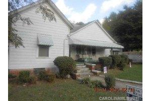 806 Salisbury St, Wadesboro, NC 28170