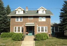 1409 S Chicago Ave, Freeport, IL 61032