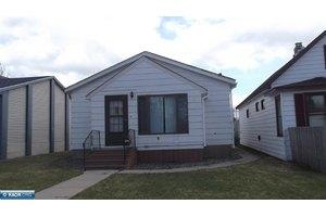 109 W 1st Ave N, Aurora, MN 55705