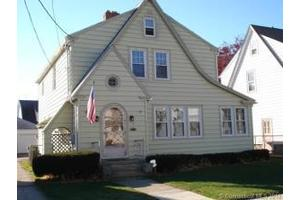 58 Waverly Pl, Bridgeport, CT 06610