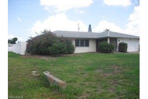 4530 SE 10th Ave, Cape Coral, FL 33904