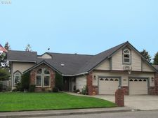 845 Cameo Ct, Brookings, OR 97415