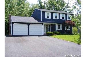 7988 Spruce Hill Dr, Clay, NY 13041