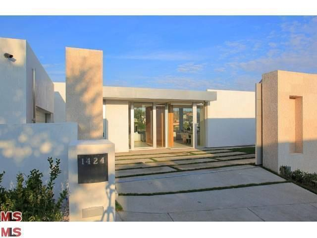 1424 Tanager Way, Los Angeles, CA 90069
