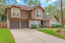 70 Timberspire Ln, The Woodlands, TX 77380