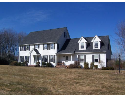 25 Old Pasture Dr, East Longmeadow, MA 01028