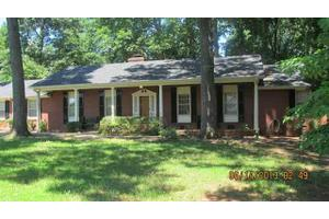 310 Crews Dr, Spartanburg, SC 29307