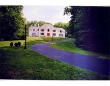48 Goodnow Ln, Framingham, MA 01702