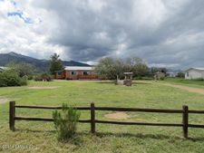 5868 S Mountain Side Ln, Hereford, AZ 85615