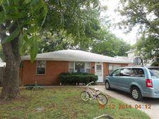 906 N Pine St, Waurika, OK 73573