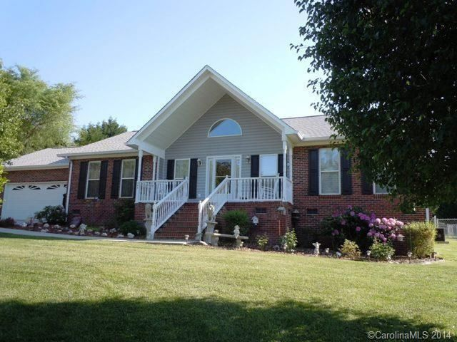 363 Hidden Lake Dr, York, SC 29745