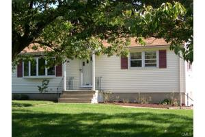 6 Stonybrook Rd, Norwalk, CT 06851