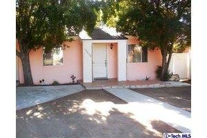 10239 Eldora Ave, Sunland, CA 91040